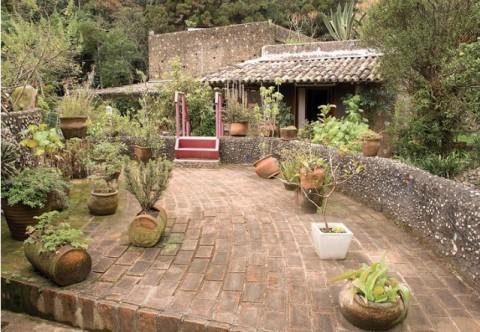 jardim com cerâmicas | imagem: arq!bacana