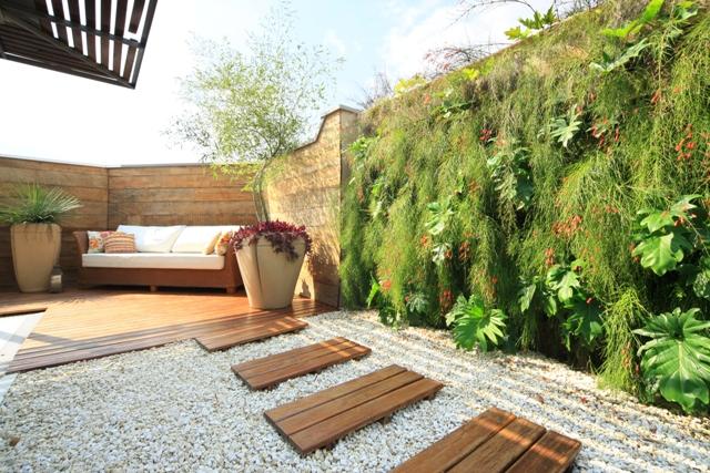 Paisagismo residencial alto da lapa karla cunha for Tipos de muros verdes