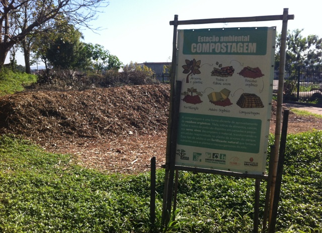 o parque também conta com uma estação de compostagem